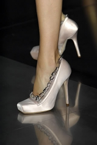 2010 Shoe Trends – Satin