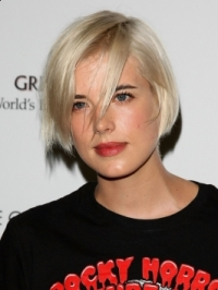 How to Get Agyness Deyn's Bob Hairstyle