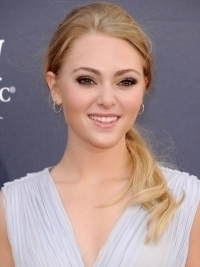 AnnaSophia Robb Cast to Play Young Carrie Bradshaw!