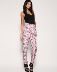 Printed Pants Style Trend Tips