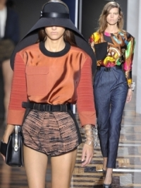 Balenciaga Spring 2012 – Paris Fashion Week