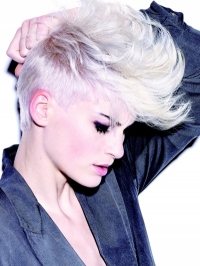 Sexy New Short Hairstyle Trends