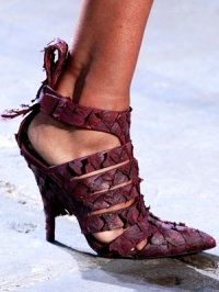 Runway Shoe Trends for Spring Summer 2012