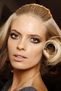 Match Makeup to Your Hairstyle