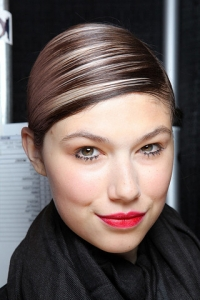 Spring/Summer 2011 Hairstyles – Extreme Side Parts