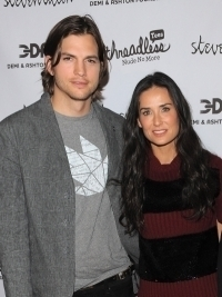 Demi Moore and Ashton Kutcher to Divorce