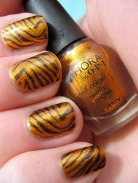 Sunny-Season Easy Nail Art Ideas
