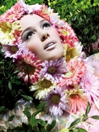 MAC Fashion Flower Summer 2011 Makeup