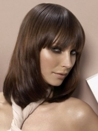 Flirty Medium Haircut Trends