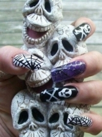 Last Minute Halloween Nail Art Inspiration