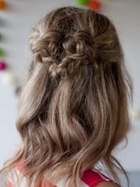 How to Style a Sweetheart Braid