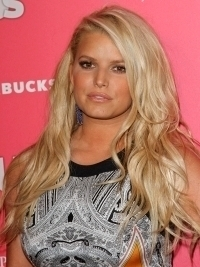 Jessica Simpson and Ashlee to Create Tween Clothing Line