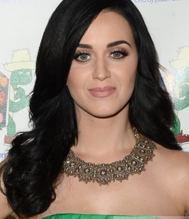 Katy Perry's Smooth Wavy Hairstyle