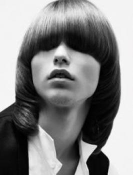 Retro Blunt Hairstyle for Men