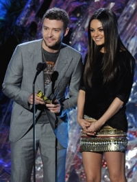 Mila Kunis and Justin Timberlake Grope Each Other to Clear Dating Rumors