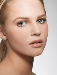 Tips and Tricks for a Natural Makeup