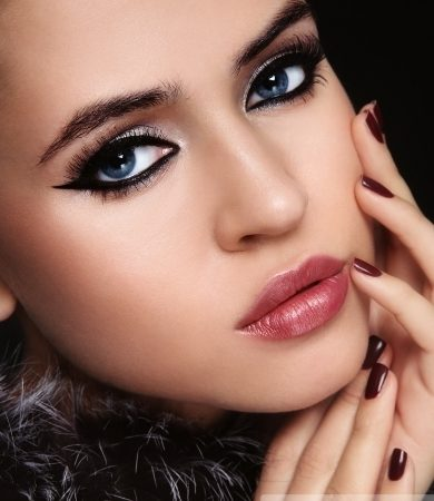 Glam Cat Eyes Party Makeup Look