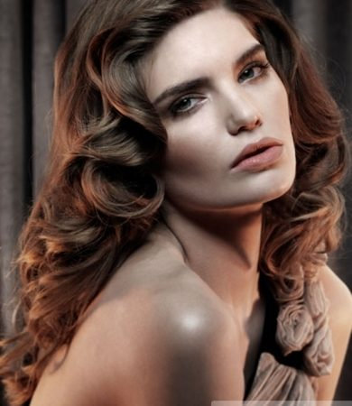 Old Hollywood Curls Hair Style