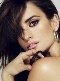 Penélope Cruz Named Loewe's New Face