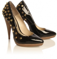 Fall/Winter 2010 Pointed-Toe Shoes Fashion Trend