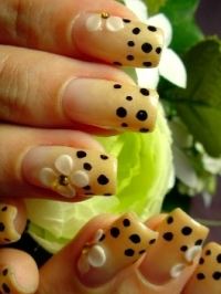 Polka Dot Nail Designs