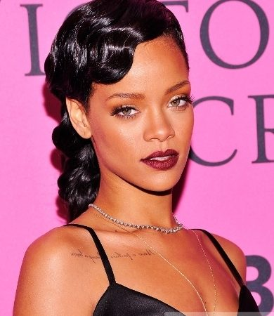 Rihanna's Glossy Marcel Wave Hairstyle