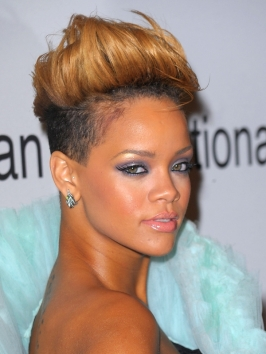 Rihanna's Hairstyle at the 2010 Grammy Awards