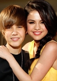 Selena Gomez Threatened By Fans of Justin Bieber