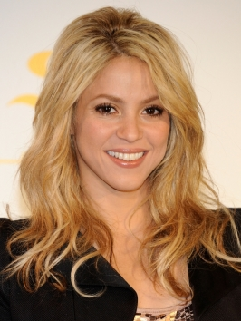 Incredible Pictures Shakira Hairstyles Shakira Casual Wavy Hairstyle Natural Hairstyles Runnerswayorg