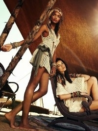 Stradivarius Spring 2013 Catalog | Walking On The Sand