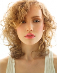 Hairstyles to Avoid for Thinning Hair