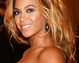 Beyonce 2013 Met Ball Hairstyle