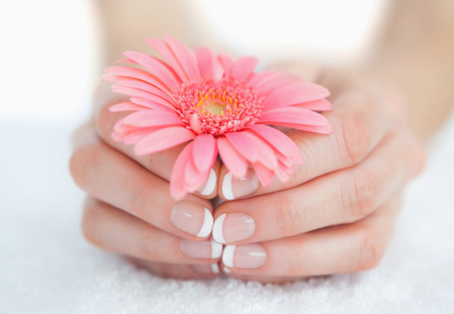 Shellac French Manicure: Pros and Cons