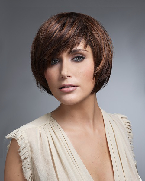 Short Layered Haircut For Round Face Shape