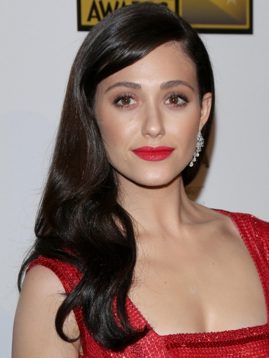 Emmy Rossum Loose Wavy Hairstyle