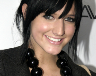 Ashlee Simpson Choppy Bangs Hairstyle