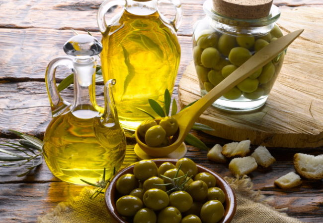 Monounsaturated Fat: Foods and Health Benefits