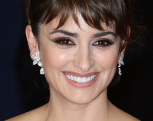 Penelope Cruz Choppy Bangs