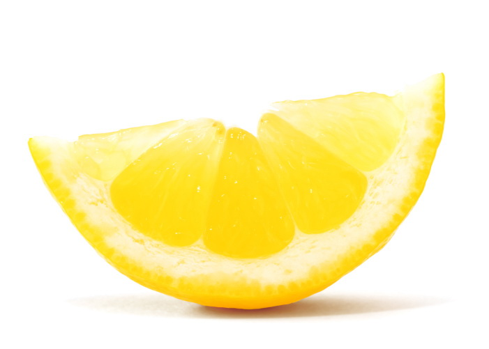Use Lemon To Remove Fake Tan From Hands