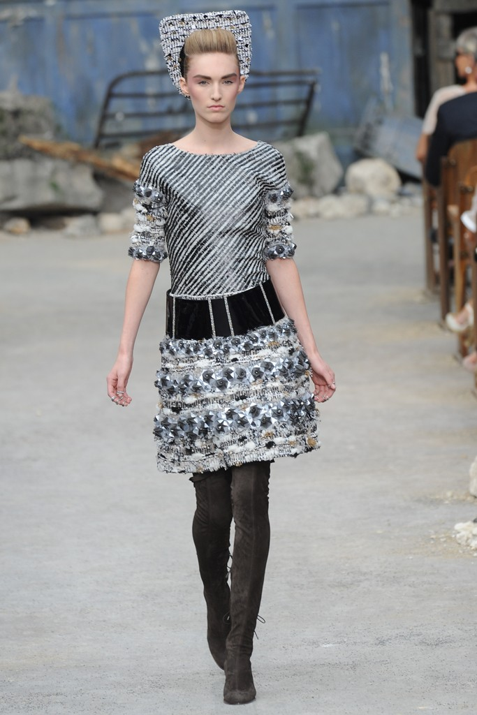 Chanel Couture Fall 2013 Look 35