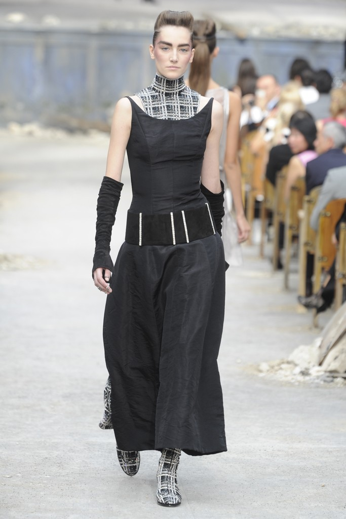 Chanel Couture Fall 2013 Look 44