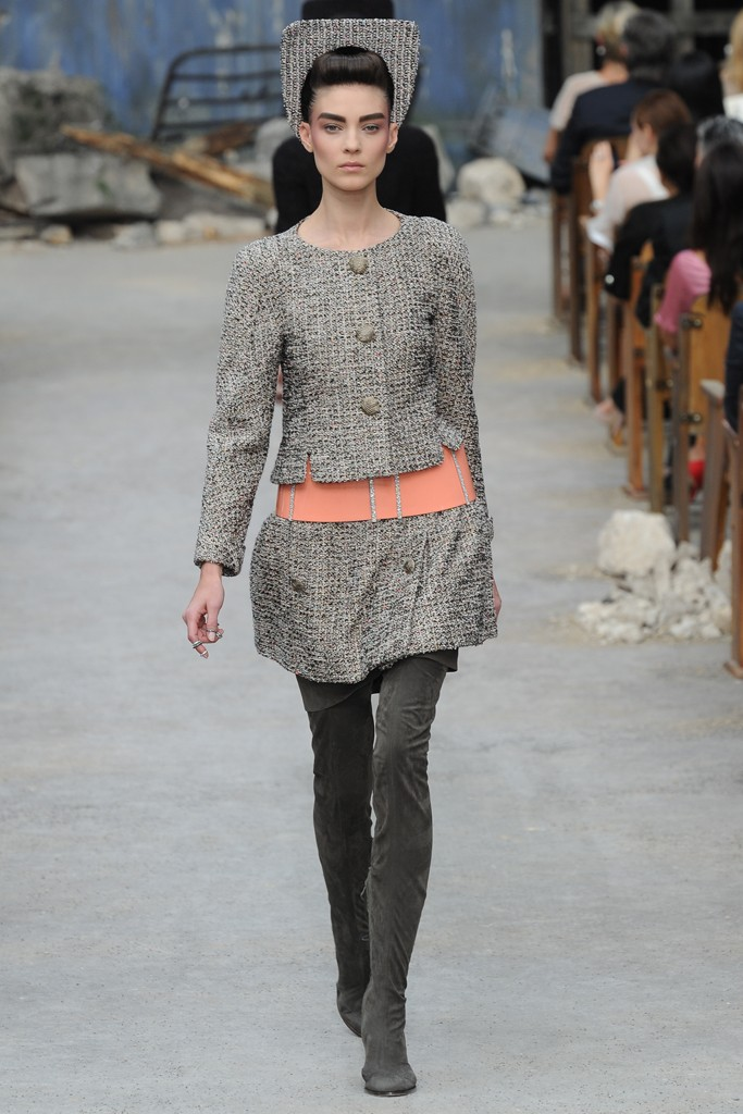 Chanel Couture Fall 2013 Look 9