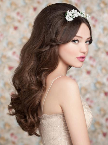 Long Wavy Wedding Hairstyle With Teased Top