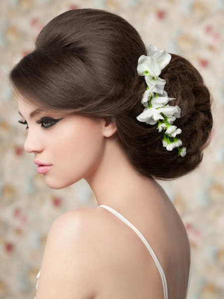 Oversized Bridal Updo With Side Bangs