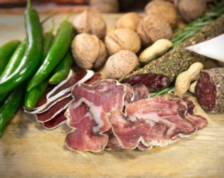 Avoid Nuts And Meat At The Same Meal