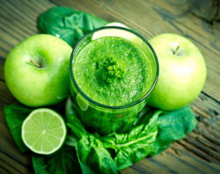 Kale Smoothie With Fruit Juice