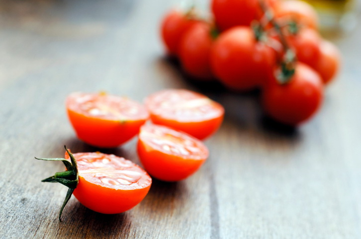 Tomatoes For Clear Skin And Glossy Hair