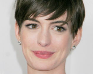 Anne Hathaway Short Bangs Hairstyle