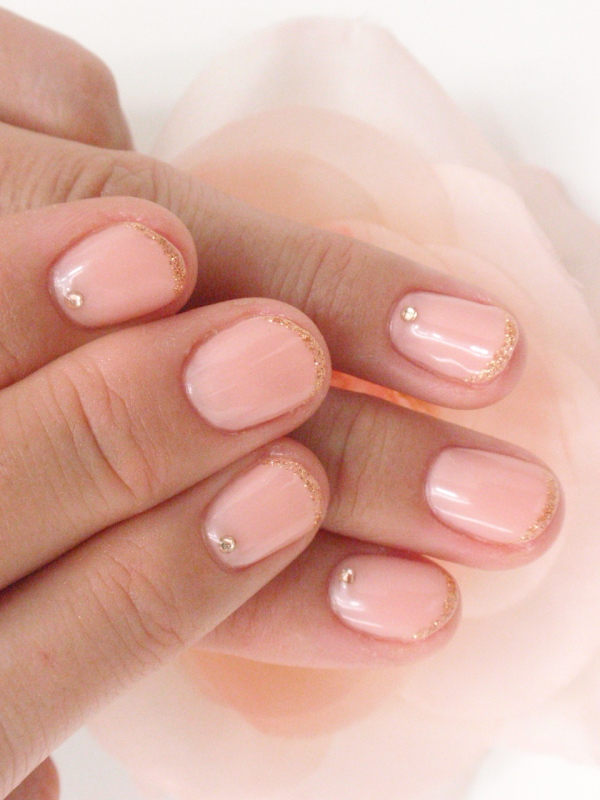 Pale Pink Nail Art With Gold Glitter
