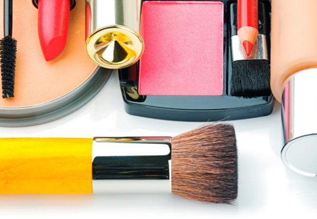 Makeup Allergy and Toxic Ingredients in Cosmetics